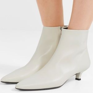 The Row coco leather ankle boots ivory size 36